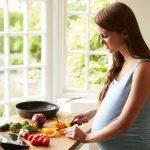 Sono incinta e mangio per due: la risposta degli esperti